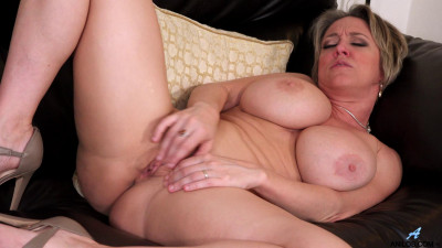 Busty milf dee After The Party full hd