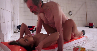 Anina Silk Morre Like Sex With Old Men