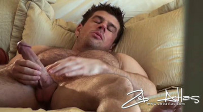 Zeb Atlas : Sweet Relax After A Rough Night
