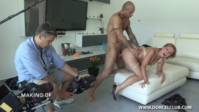 Making Of – Lola At Your Service
