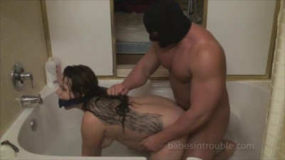 Pregnant Kelly Vicious – Bound