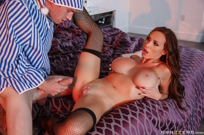 Nikki Benz – Toying With A Pornstar (2016)