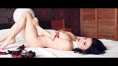 Emma Glover — Behind The Scenes 5