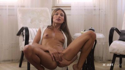 Talia – Cumming On Myself
