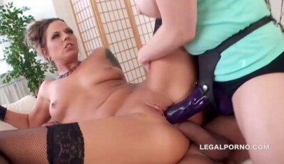 Double Penetration With Huge Strapon