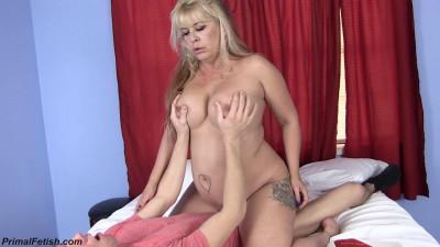 big tit milf joclyn get drilled by her neighbour full hd