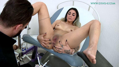 Stacy Sommers (19 years girl gyno exam)