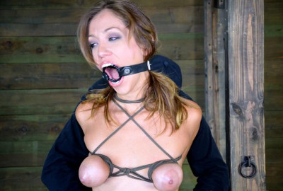 Cute Girl Have Massive Orgasm in BDSM Show