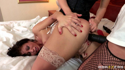 Her Sexy Holes Stretched By Two Kinky Pretty Girls
