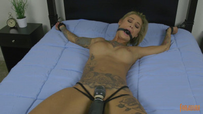 Kleo Valentien Tattooed Mega Babe is Made to Cum Join Now! (2016) (pussy, english, download, fucking)