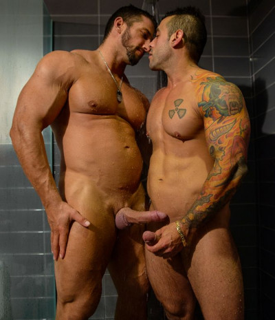 Description Shower And Suck Part1 - Christian Powers,Emiliano