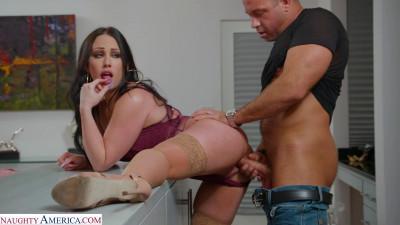 Jennifer White gets neighbor's big cock