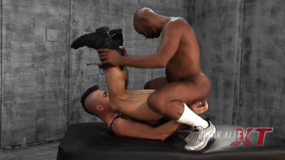Black Bareback Hose Fun – Brandon Hawk & Frederik Berlin (HD)