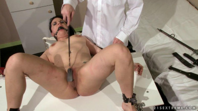 Description The Guilty Must Be Punished Tess - Extreme, Bondage, Caning