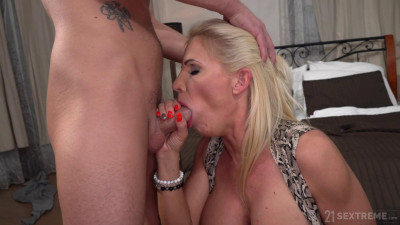 Tiffany Rousso – When Milf is Lonely (2020)