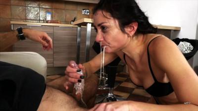 Description Valentina Bianco - Filthy Whore At Work