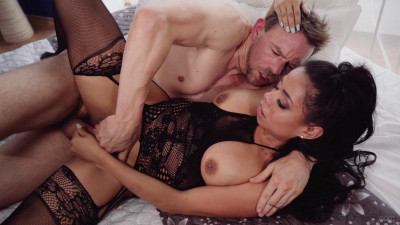 Canela Skin – Big booty Latina makes cock throb (2018)