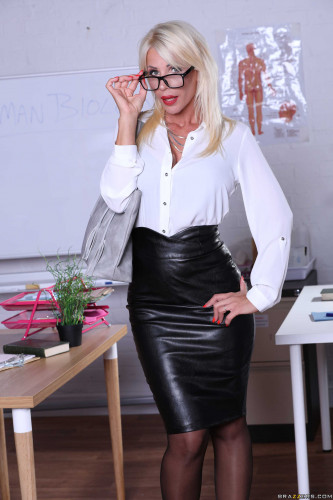 Tiffany Rousso – Substitute Sex Ed FullHD 1080p