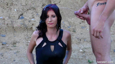 Aria Rossi — Hardcore Outdoor Fucking And Pissing Encounter (2018)