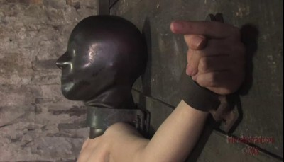 A vibrator makes Cherrytorn cum, rattling metal and wheezing air through little holes
