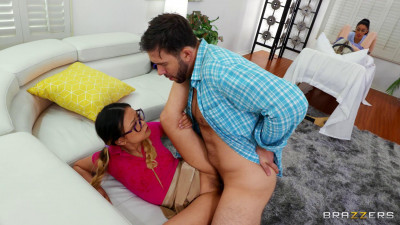 Vanessa Sky & Lulu Chu – Squirt, Pop and Deliver