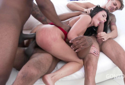 Nelly Kent Enjoys Airtight Orgy With Double Fuck