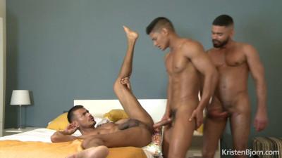 The Tourist – Guido Plazas, Santiago Rodriguez and Valdo Smith 1080p