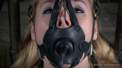 Delirious Hunter Hot Poke Her (2014)