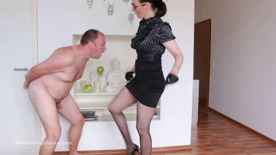 Description Ballbustingchicks - Victoria Valente - Bust His Balls