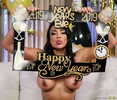 Luna Star - Squirting In The New Year FullHD 1080p