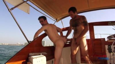Description Maxx Fitch Barebacking Andrew Collins in a Boat Trip