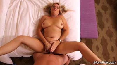 Amateur milf exploring sexually