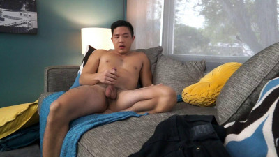 Description Watch Cooper Dang play with his horny hole