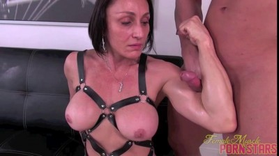 Female Bodybuilder Porn screen 10