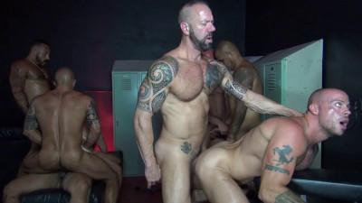 Big Sex Club Orgy Part One Alessio Romero, Matt Stevens, Brian Bonds, Jon Galt (2016)