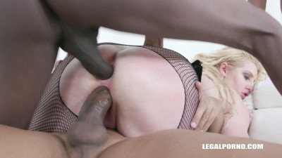 Big ass LoulaLou wants to try huge african cocks