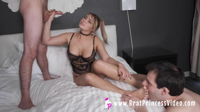 Natalya - Gives Her Alpha Boyfriend Blowjob While Cuck Worships Her Feet