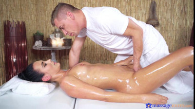 Katie Dee – Tight babe opened up by masseur