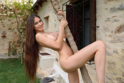 Leona-Mia The Summer of Leona