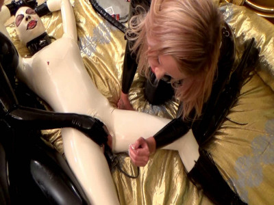 Three latex girls playing with dildos (2016)