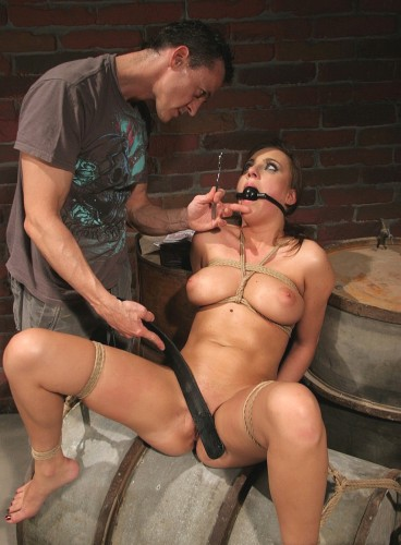 Some Service For The Money — Seductive Brunette Babe
