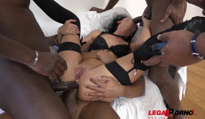 July Sun loves black huge dicks in gangbang