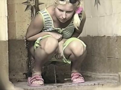 Hidden Camera In a Female Toilet - Retro Video - Scene 9