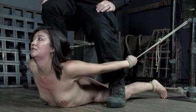 Beauty bondage slut Coralee Summers