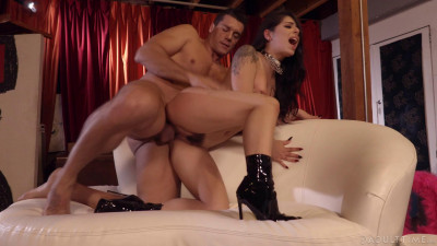 Description Gina Valentina