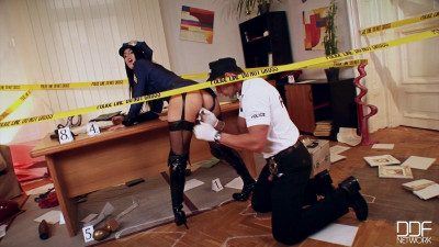 Hardcore Crime Scene Sex Addict Gets her Asshole Fucked! – FullHD 1080p