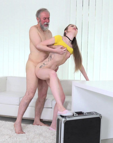 Empera - Old man fucks a fresh babe FullHD 1080p