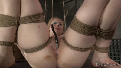 Blondie in Bondage