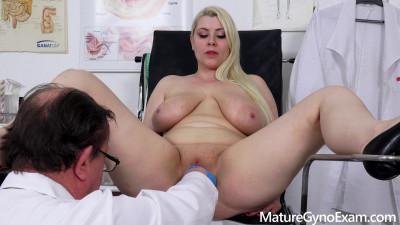 Description Chubby pornstar Alexa Bold on her kinky gyno exam