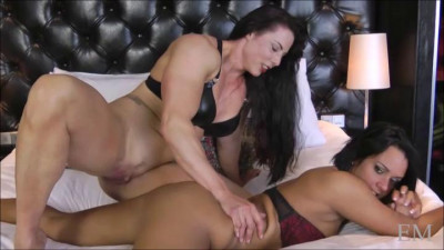 Miss Monrow Playing With Sexy Scarlett (2016)